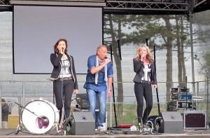Die Gruppe WIND sang bekannte Songs fürs Publikum