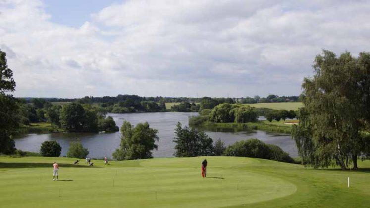 Rund 120 Teilnehmer kamen zum Benefiz-Turnier auf dem Seeschlösschen Golfplatz