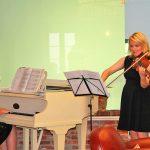 Mit klassischen Klängen wurden die Gäste auf einen gemütlichen Nachmittag eingestimmt.