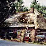 Das Reetdach neu, die Innenräume frisch renoviert: In dem Schmuckstück steckt viel Eigenleistung