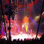 Lichterkaskaden im Zirkuszelt: 1000 Lampen zaubern Märchenstimmung (Foto: Horst Beck)