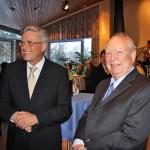 Bürgermeister Volker Owerien (links) und Bürgervorsteher Dr. Klaus Nagel empfingen gemeinsam die zahlreichen Gäste