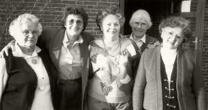 Gründerinnen anno 1983: Hilde Lüpke, Helga Schütt, Hilde Bestmann, Helga Horn, Traudel Hummel (nicht auf dem Foto: Gründungsmitglieder Frau Oechsle und Frau Waslawczyk).