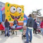 ...und noch mehr Spaß für die Kids, hier mit der Hüpfburg