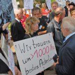 Auch die Landwirte protestieren: Ihr Ackerland müsste der E-Trasse westlich der Autobahn weichen