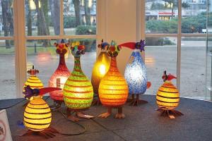 Witzige Lampen: der Gonzo als Leuchtkörper, ein Hingucker in der Ausstellung