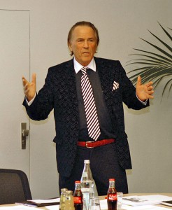 Unternehmer und Mäzen Jürgen Hunke erklärt seine Pläne
