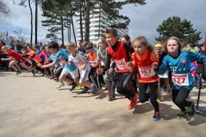Kinder von 8 bis 13 Jahren nehmen am RWE-Seepferdchenlauf teil