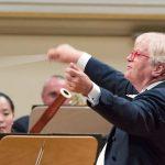 Justus Frantz ist nach wie vor der Star des Schleswig-Holstein Musikfestivals. Er dirigiert auch in diesem Jahr wieder sein Orchester (Foto: Christian Kern)