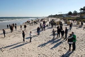 Vielseitiger Einsatz am Strand: 500 Golfer in jedem Alter