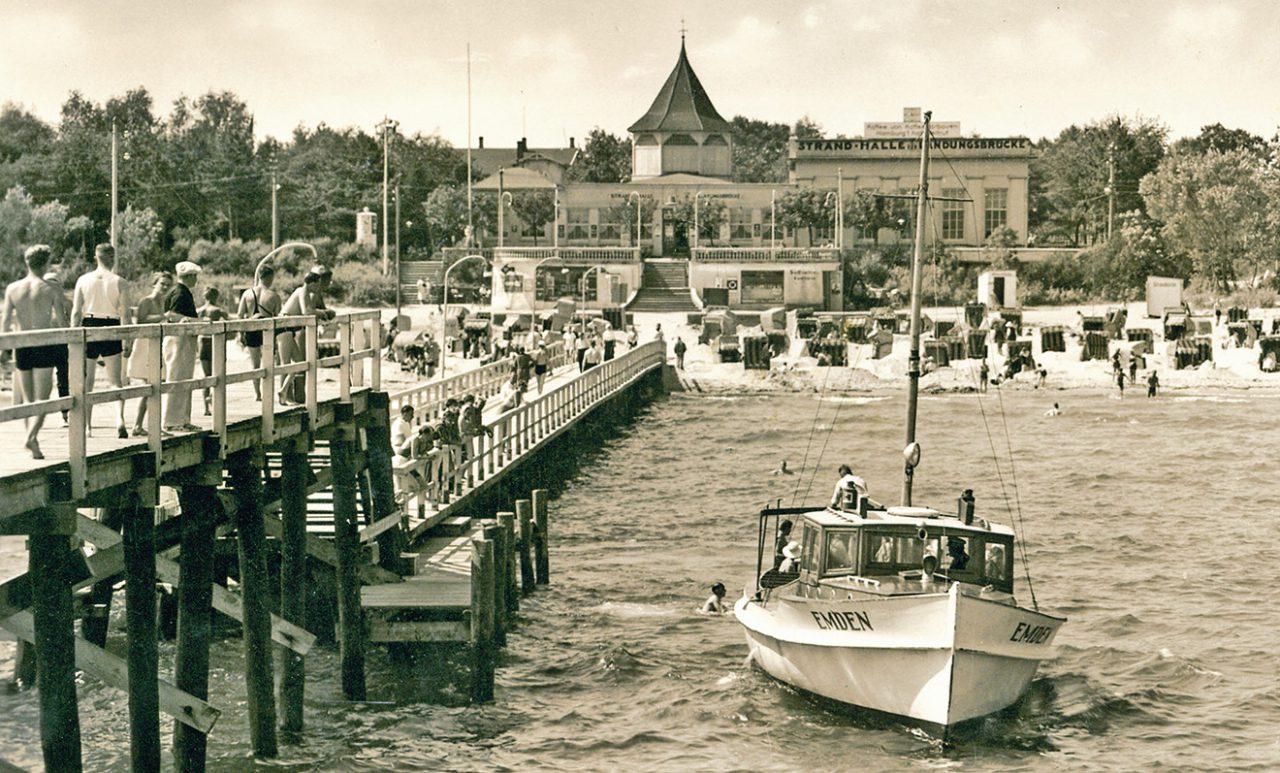 Timmendorfer Seebrücke mit Strandhalle um 1941