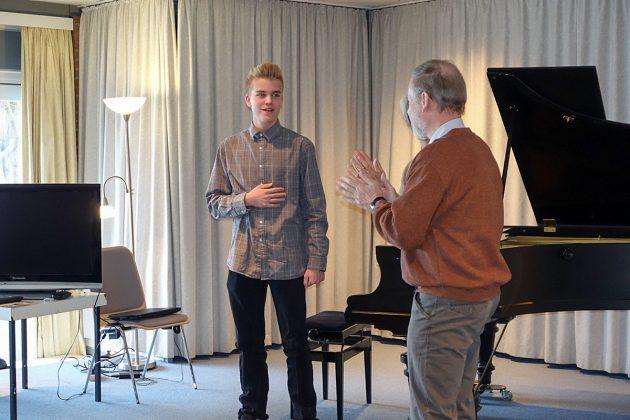 """""""Bravo"""" von den Gastgebern: Leonard Schwerdtfeger brillierte am Piano"""