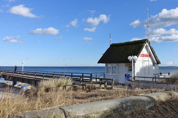 Herrlich Nordisch war auch das Wetter zum Start der Scharbeutzer Messe im Zelt am Seebrückenplatz