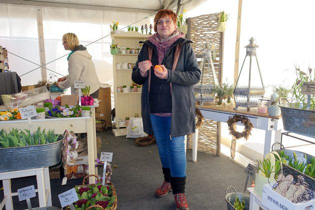 """Das """"Blumenwerk"""" ist durch Angelkia Willert vertreten, mit frischen Frühlingsblumen für jeden Anlass"""