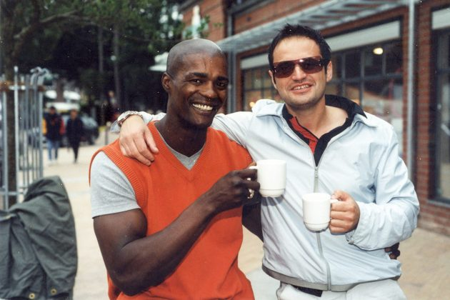 Nautic-Oldtimer: Manager Virgil (re) und Barkeeper Vendell