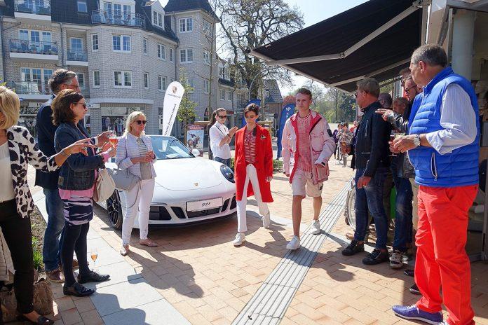 Event für höchste Ansprüche: Porsche und Edel-Mode vor dem Fashion-Store CHRISTINA'S