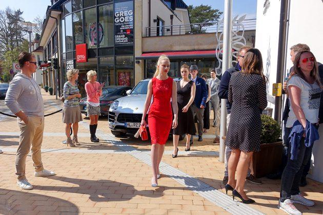 Hier kommen die Hobby-Models im eleganten Look: Finale auf dem Catwalk