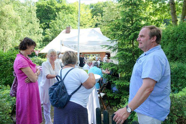 Dorfvorsteher Dierk Dübrook freute sich über das groÃe Interesse am Jubiläumsfest