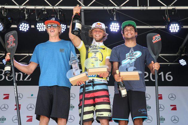 Die SUP-Sieger von 2016 in Scharbeutz (© Hoch Zwei)