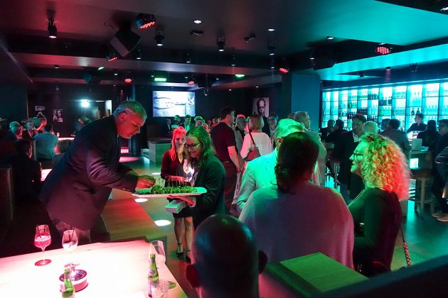 Viel Trubel in auÃergewöhnlichem Ambiente: 300 geladene Gäste kamen zur Eröffnung