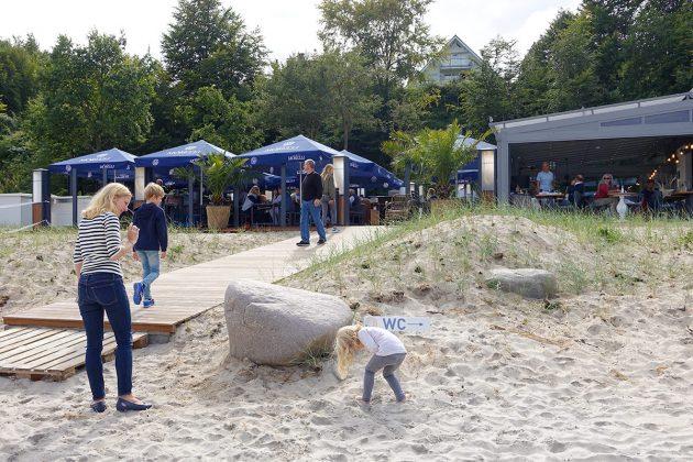 Paradiesisch auch für Kinder: direkt am Strand gibt es viele Gelegenheiten, gefahrlos zu spielen und den Tag zu genieÃen