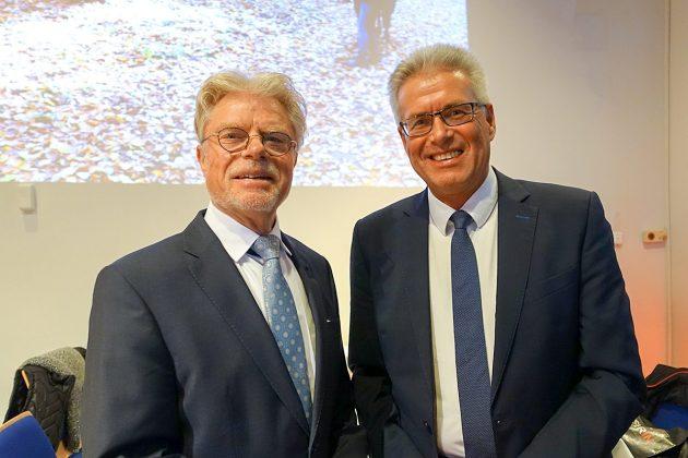 Bürgermeister Volker Owerien (re) und Bürgervorsteher Peter Nelle begrüÃten rund 200 Gäste im Kurparkhaus