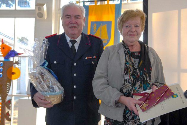 Hermann und Erika Körner gehörten zu den verdienten Bürgern, die mit Präsenten und Urkunden geehrt wurden. © Susanne Dittmann