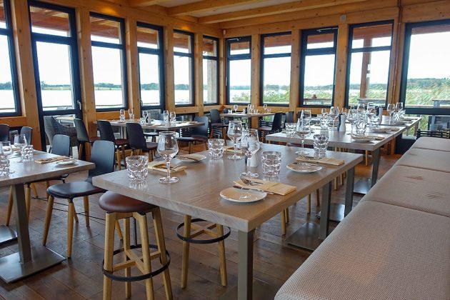 Schönes Ambiente mit Seeblick: das Restaurant âHemmyâs Seehofâ ist ein kulinarisches Highlight mit natürlichem Charme