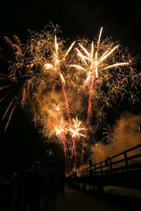 Das groÃe Feuerwerk am Meer bildet den festlichen Jahresabschluss © www.luebecker-bucht-ostsee.de
