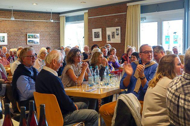 Beifall für die Redner vom Klingberger Publikum, das wie immer zahlreich erschienen ist.