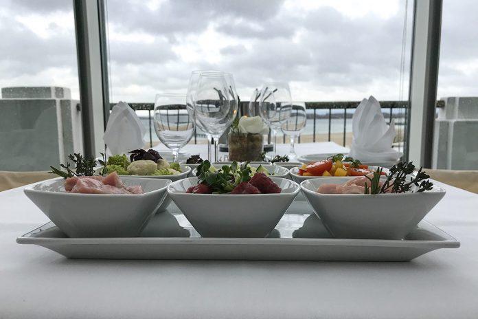 Das müssen Sie erlebt haben: Ein köstliches Fondue direkt am Meer gibt es am 22. und 29. März im ATLANTIC-Raum