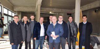 """Bereit für ein """"Revival"""": Tourismuschef Joachim Nitz (li) und Eigentümer Mike Lindner (Mitte) mit dem neuen Nautic-Team © Katrin Gehrke"""