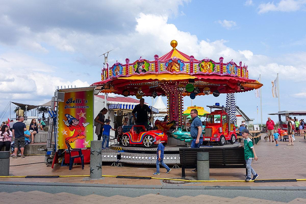 Auch die Kinder hatten ihren Spaß: am Seebrückenplatz gab's ein Karussell und viel zu erleben