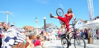 Kunst, Akrobatik und mehr am Meer: Straßenkünstler-Festival in Scharbeutz © www.luebecker-bucht-ostsee.de