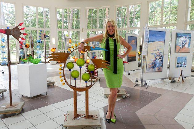 Dieses Bild wird sich einprägen - eben so, wie Anja Es die Timmendorfer Trinkkurhalle mit ihrer Kunst über Jahre geprägt hat