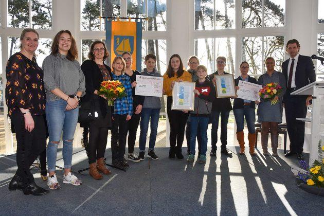 Schüler-Ehrung für den Einsatz in Sachen Klimaschutz: OGT und Grund- und Gemeinschaftsschule erhielten Auszeichungen und Preisgeld © Susanne Dittmann