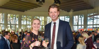 Bürgervorsteherin Anja Evers und Bürgermeister Robert Wagner begrüßten rund 180 Gäste beim Timmendorfer Neujahrsempfang © Susanne Dittmann
