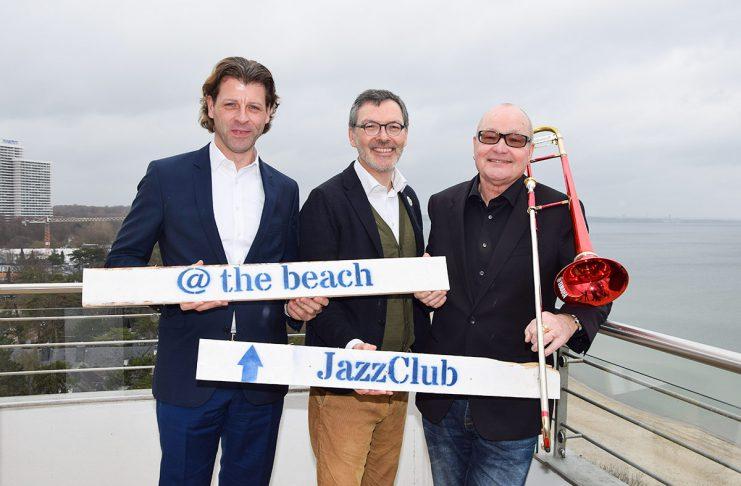 Vorfreude am Timmendorfer Strand: Bürgermeister Robert Wagner , SH-Musik Festival-Intendant Christian Kuhnt und Festivalleiter Nils Landgren (v.links) bereiten die 30. JazzBaltica vor.