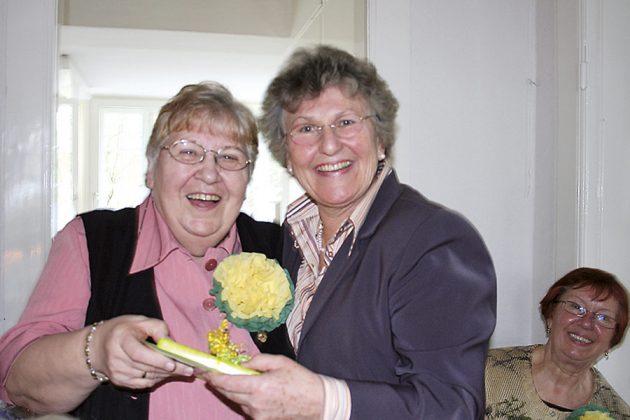 Und hier gibt's wieder ein Geburtstagsgeschenk von Helga Schütt für eine der langjährigen Besucherinnen im Treff