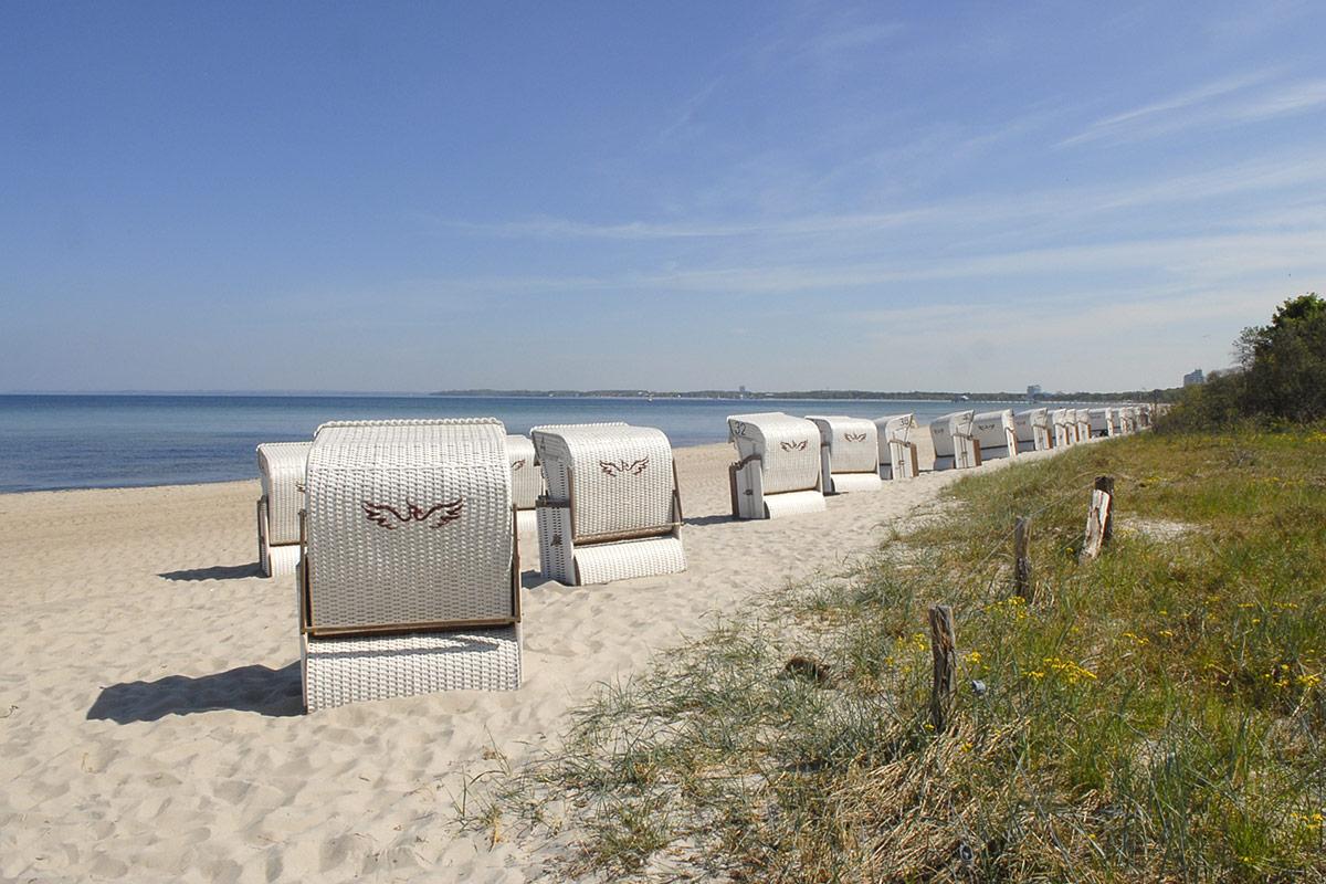 Sie sind wieder da! Nach den aktuellen Bestimmungen dürfen Strankörbe am Strand aufgestellt werden, und ab 18. Mai werden auch die Gäste wieder anreisen. Foto: Susanne Dittmann