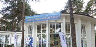 Die Timmendorfer Trinkkurhalle lädt ein zum Rundgang in der Rotunde, in der zur Zeit der Werke von Günter Grass gezeigt werden