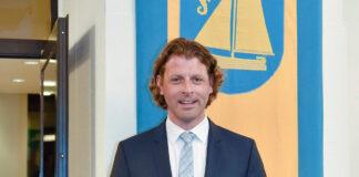 """Robert Wagner ist seit zwei Jahren Bürgermeister von Timmendorfer Strand. Am 22. November findet gegen ihn ein """"Abwahlverfahren"""" statt."""