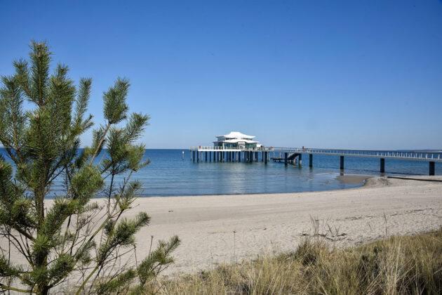 Still ruht die See: Dort, wo sonst das Strandleben tobt, war während des Lockdowns im Frühjahr kaum ein Mensch unterwegs